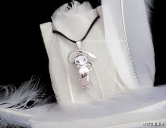'Mew with rose quartz' sterling silver pendant by seralune