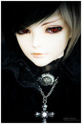 Gothic Prince by Pikkochan