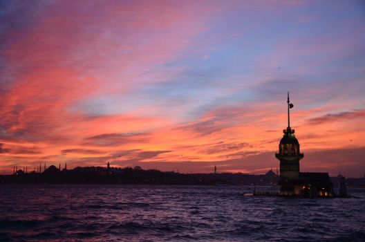 Istanbul Red by cemgunaydin