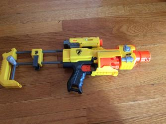 Nerf hellboy pistol by Darkswag