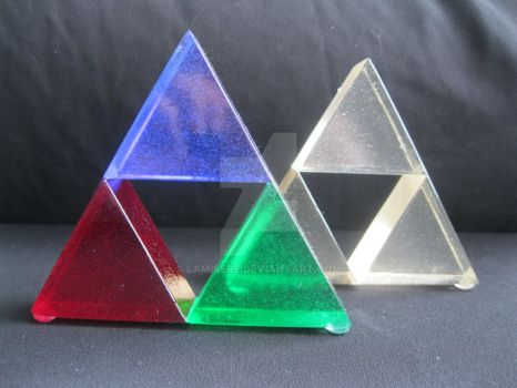 Triforce Trinket by LaMisere