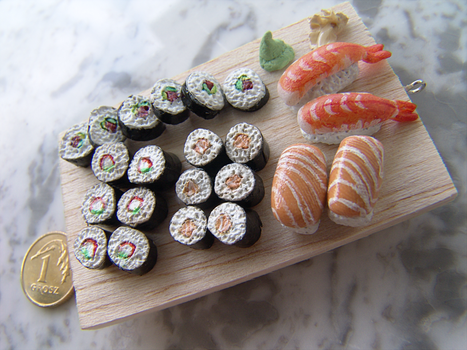 Sushi Set keychain by kabatt