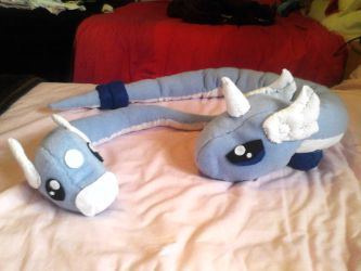 Dratini and Dragonair plushies by Mew-Mew-Rocky