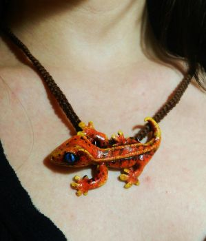 Crested Gecko Pendant by PoisonJARCreations