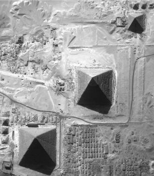 the 3 Pyramids by egyptians