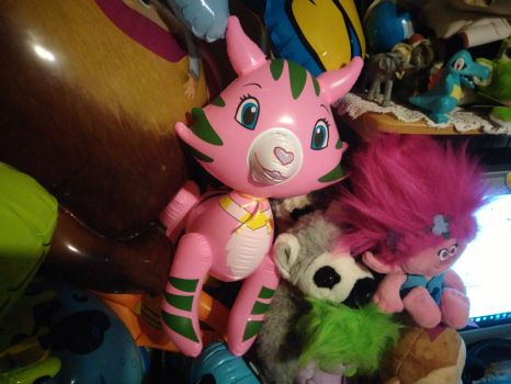 My Inflatable Rose Custard Cat Toy 18 by PoKeMoNosterfanZG