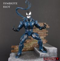 Custom Marvel Legends Riot Symbiote action figure by Jin-Saotome