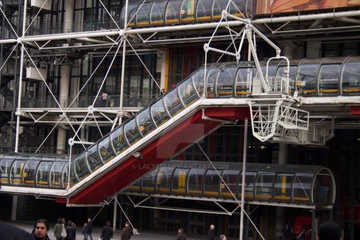 Centre Georges Pompidou by laly133
