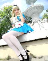 Alice in Wonderland Cosplay by usagiyuu