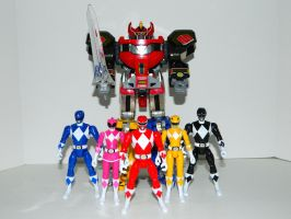 Mighty Morphin Power Rangers and Megazord by LinearRanger