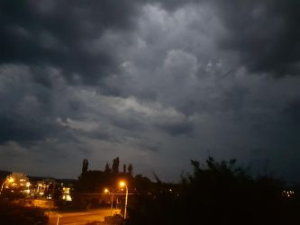 storm clouds over queanbeyan by heilo