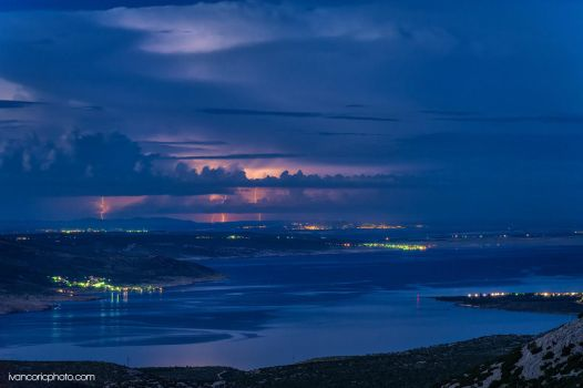 Thunder in the distance by ivancoric