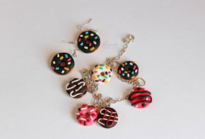 Polymer Clay Bracelet with Donuts and Earrings by Hrasulee