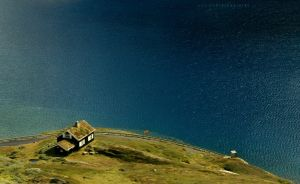 House by a Lake by ondrejZapletal