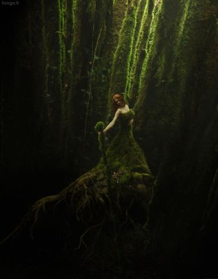 Green Queen. by Tooga