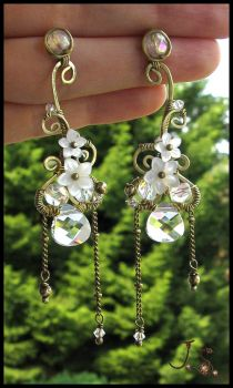 White spring ear cuff and earrings by JuliaKotreJewelry