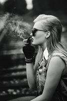 Smoking beauty by PicturePuttonen