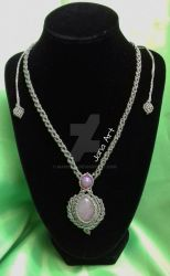 Chrystal healing : Macrame necklace with quartz by Mawee79