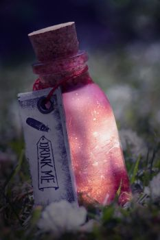 Drink me poison by dyingrose24