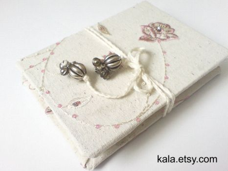 Small accordian sketch book by UKEtsy