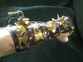 Steampunk Battle Gauntlet by Skinz-N-Hydez