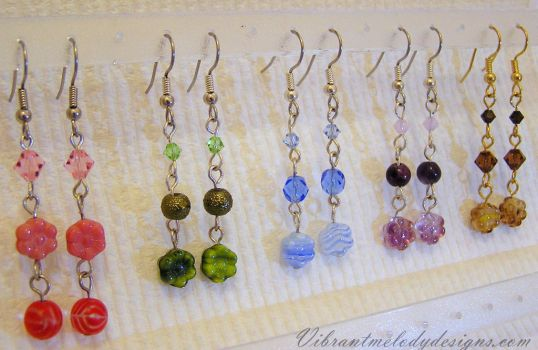 Flower Earrings with Glass and Swarovski Crystals by vibrantmelodydesigns
