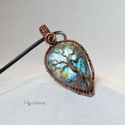 Tree of life pendant with Labradorite gemstone by artual