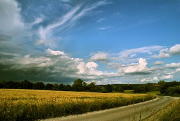 Country road by LiveInPix