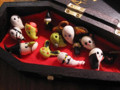Coffin Ghouls by natix
