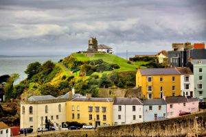 Castle Hill Tenby by welshbeck