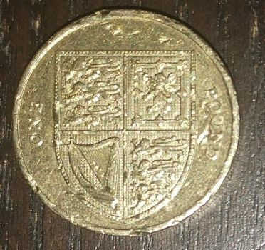2015 British one pound coin (side A) by AdrenalineRush1996
