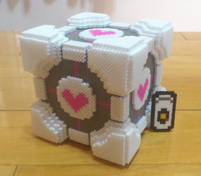 The Cube and GLaDOS (in portal2) by lafeir