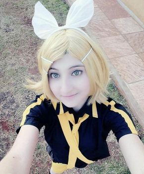 Kagamine Rin ''Love is War'' - Selfie :D by Myu-Chan-Cosplay