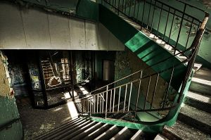 Broken Stairs by stengchen