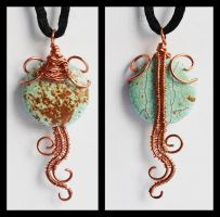 Reversible Pendant by oasiaris