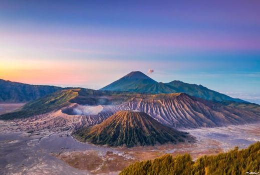 Mount Bromo by Neveramez