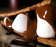 s'mores by OcheerioO