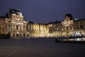Musee du Louvre by hellslord