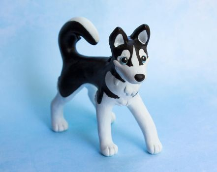 Black and white Husky dog sculpture by SculptedPups