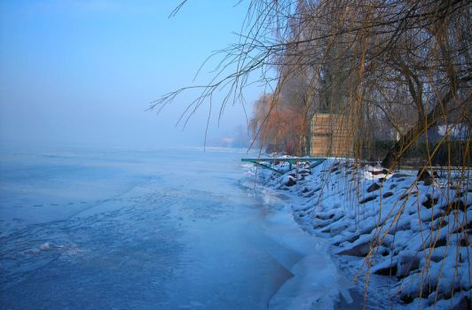 frozen balaton by sakaali