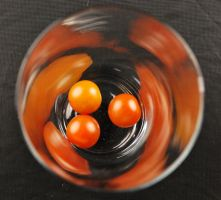 tomatoes in glass by rybka91