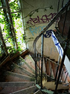 Abandoned holiday complex stairs by UrbanExploringBFG