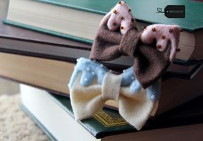Felt Chocolate and Vanilla pastry bows by FluffyParcel