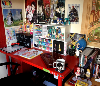 Art Desk by Chikukko