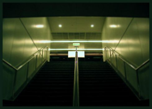 Empty Staircase by kabes