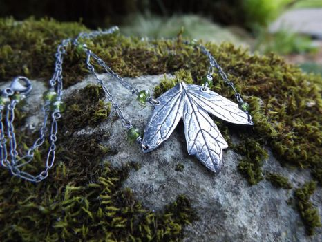 Valeriana officinalis - Valerian Leaf Necklace by QuintessentialArts