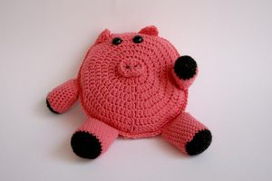 Pig Pillow by Hermioneann