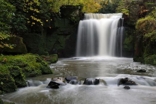 Waterfall - by scotto