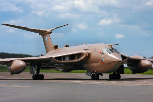 Handley Page Victor K2 by Daniel-Wales-Images