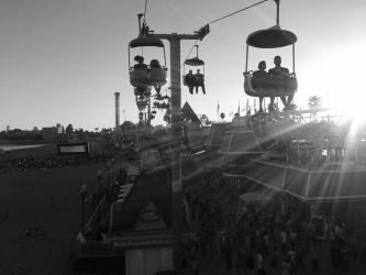 Sky Glider at Santa Cruz Beach Boardwalk by kawaiku